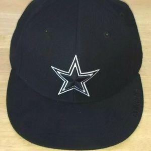 Reebok Dallas Cowboys Mens Black Tonal Wool Hat